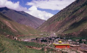Alt,ping Dolpo area monastery and village